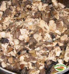 Поджарка из грибов и курицы