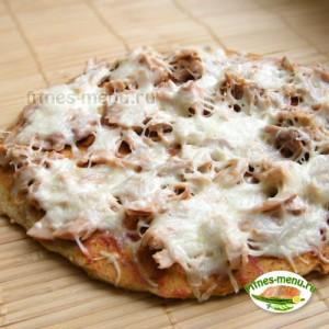 Пицца с тунцом на нутовом тесте