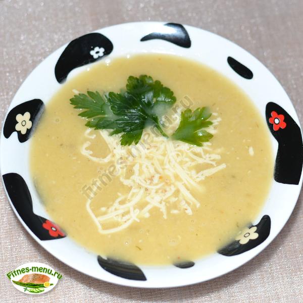 Суп из чечевицы и кабачка с сыром
